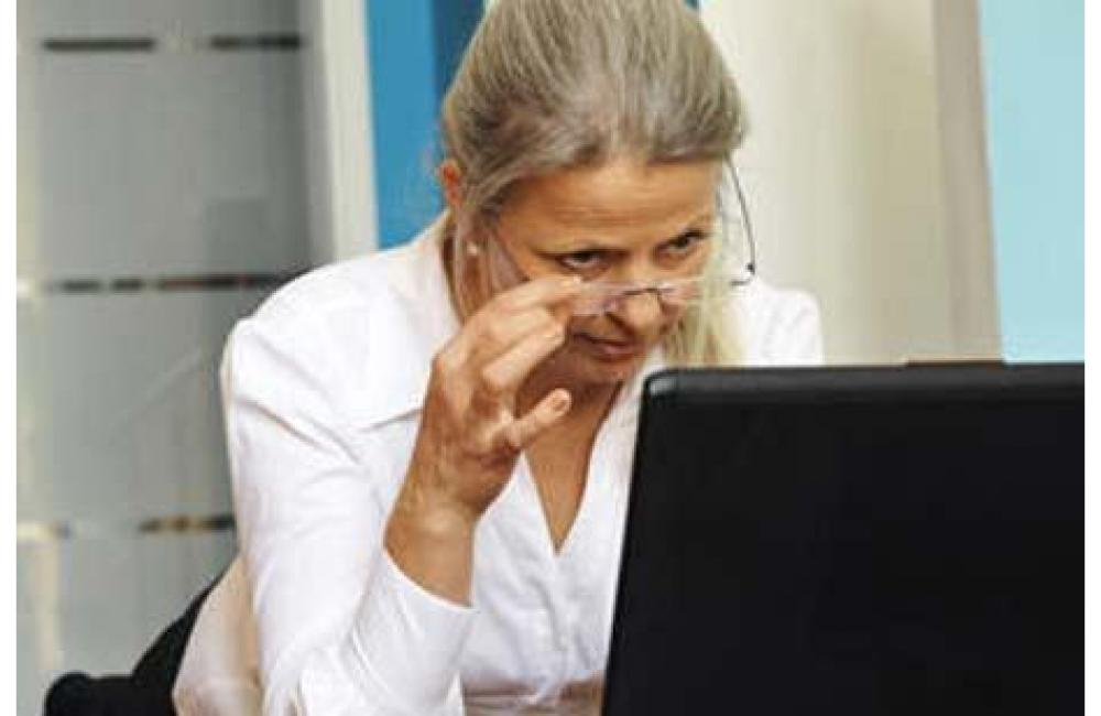 Учителі пенсійного віку працюватимуть за контрактом